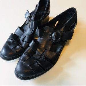 Vintage • Woven Leather Sandals